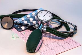 blood-pressure-monitor-1952924_960_720.jpg